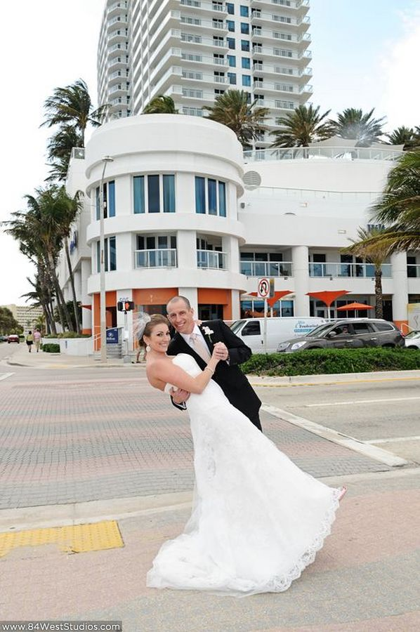 Alexis eric s wedding at the hilton fort lauderdale for Hilton fort lauderdale beach resort wedding